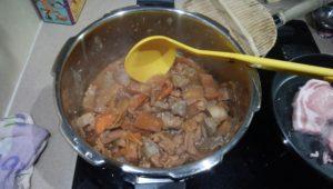 圧力 鍋 もつ 煮